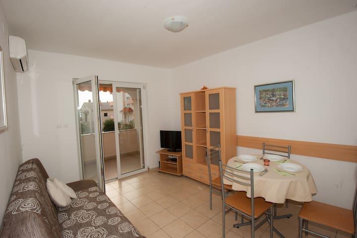 Pleasant Apartment Near the Beach - Dramalj - Byt