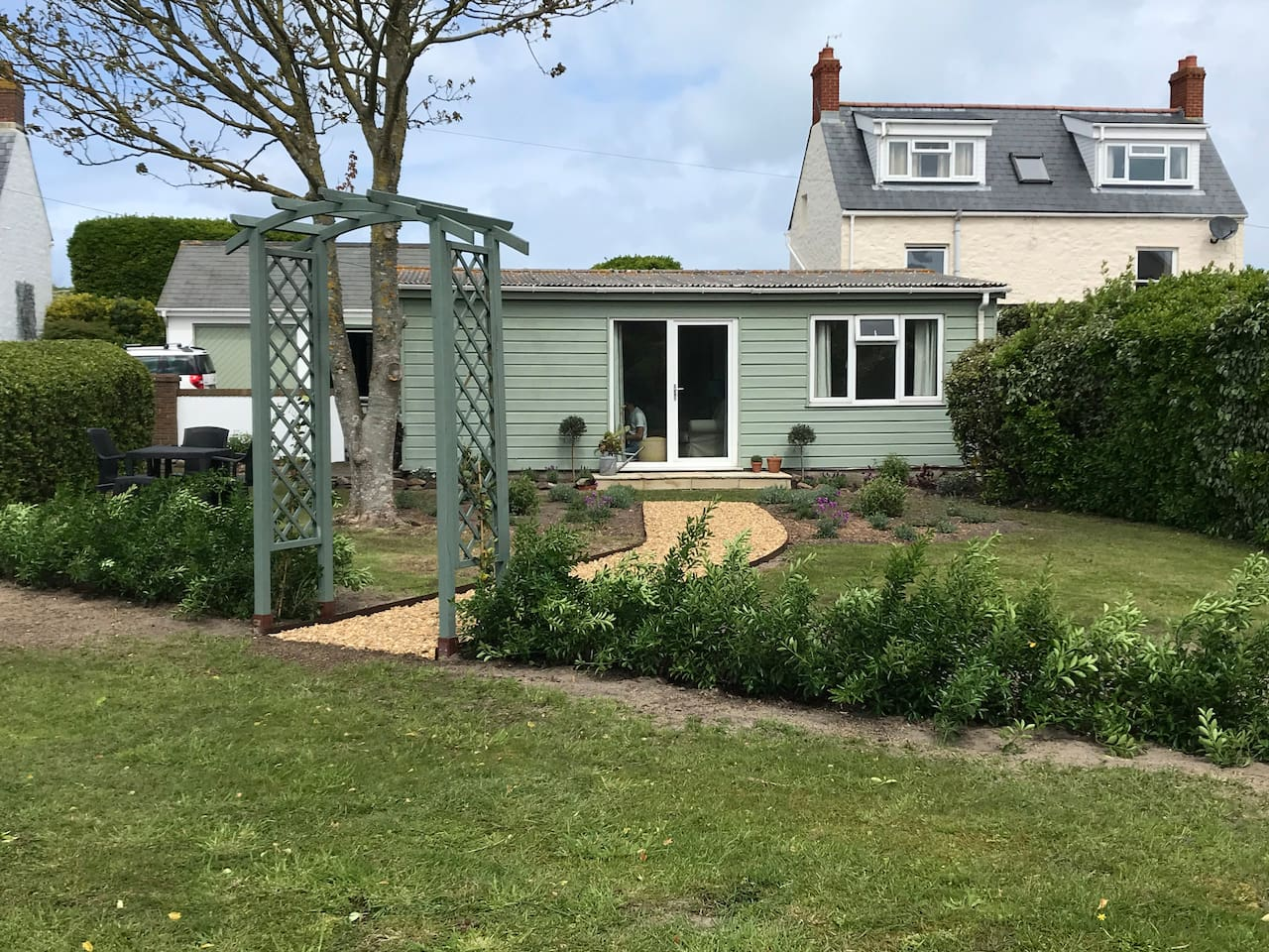 Refurbished in April 2019. Fir Tree Chalet is across the coast road from Richmond Beach