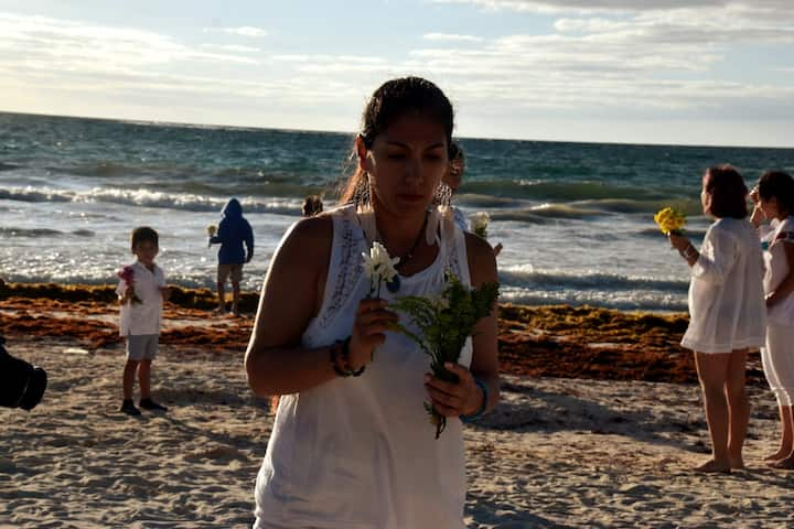 Preparing the flower offering