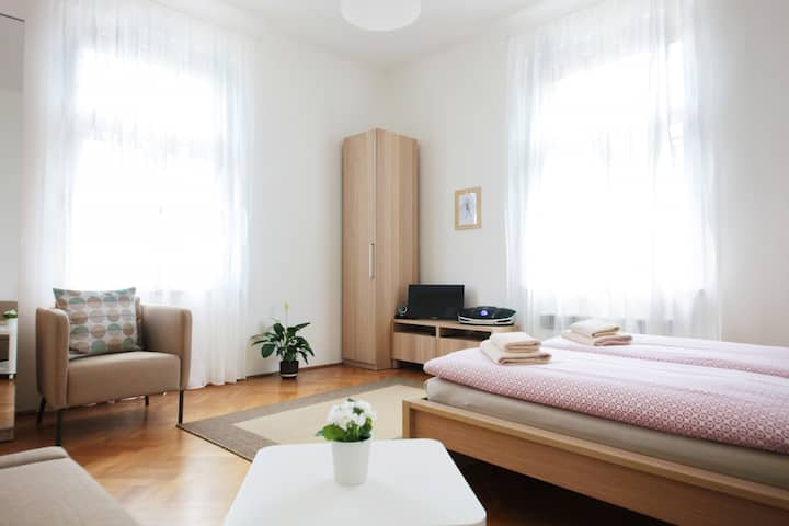 Angel City Aparthotel - Apartment n.8