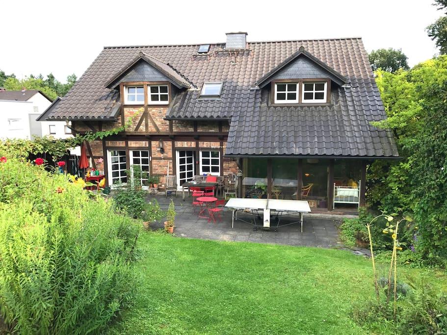 Blick vom Garten auf das Haus This is the house seen from the garden.
