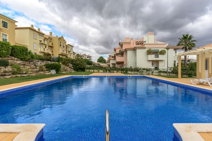 Albufeira Bright Flat with Pool