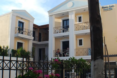 Apartment for 4 persons front Pool view - Agia Pelagia