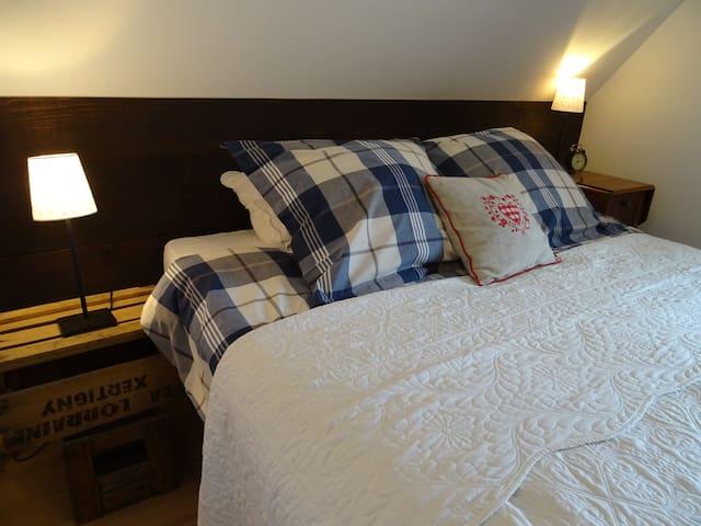 "Bed and Kougelhopf ""Chez Tonton"" - Mittelhausbergen - ที่พักพร้อมอาหารเช้า"