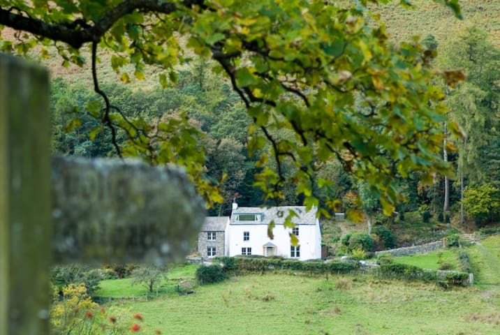 Rowling End is a traditional Lakeland farmhouse