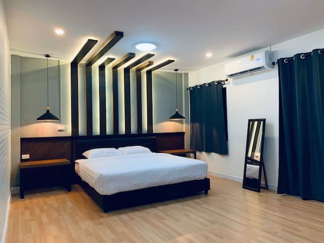 master bedroom with king size