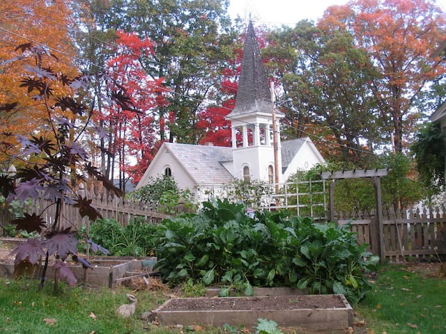 Charming studio in renovated 19th century church. - Brattleboro