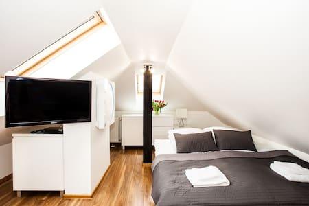 Attic Przytulny Apartament - Wieliczka - Apartemen