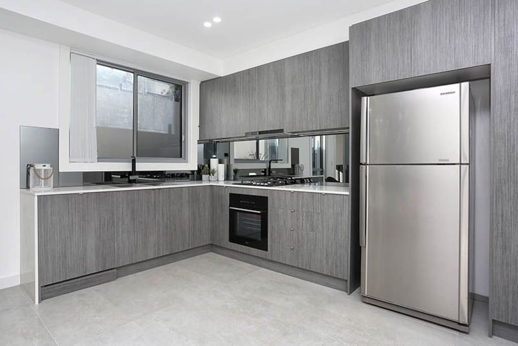 Designer Kitchen - fully equipped for all your cooking needs
