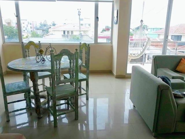Luminosa habitación con vistas  de  Cumbayá