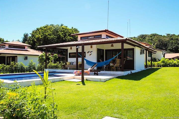 Villa with pool in private condominium