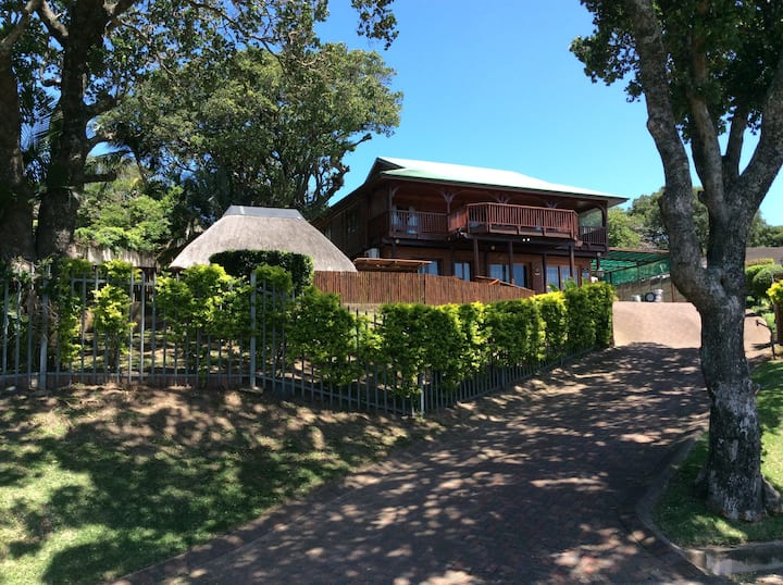 No 9 Fantasea - Knysna Log Home with a difference
