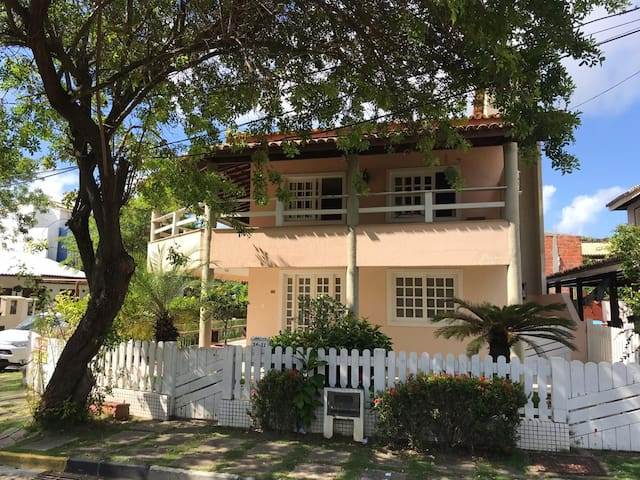 Casa 4/4 Salvador com Piscina a 200 m da praia