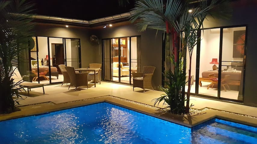 View Talay Jomtien Pool villa.