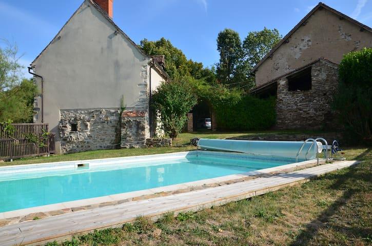 Maison au calme piscine vue d gag e houses for for Piscine quintin