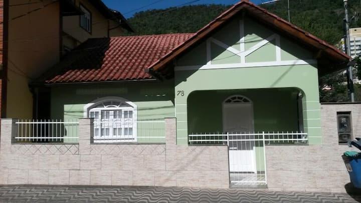 Casa de 3 quartos, 2 banheiros, Domingos Martins