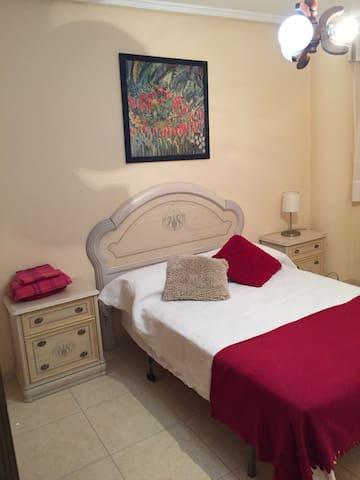 Piso con 2 dormitorios,playa 5 min - Guardamar del Segura - Byt