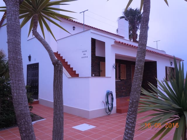 Lagoon's House - Nadadouro - Hus