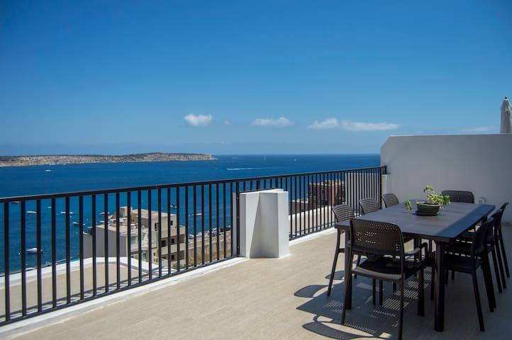MELLIEHA - Modern Penthouse, close to Sandy Beach