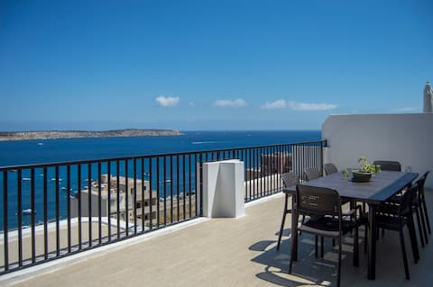 Mellieha - Modern Penthouse, close to Sandy Beach