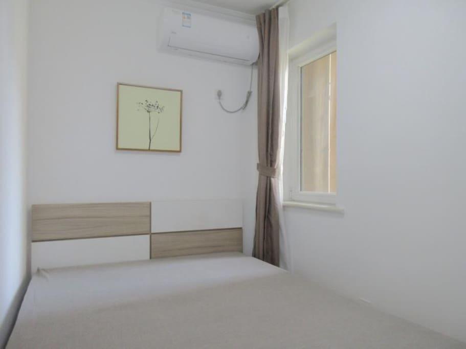一室一厅一厨一卫,内带有WIFI, 使用期间保持干净
