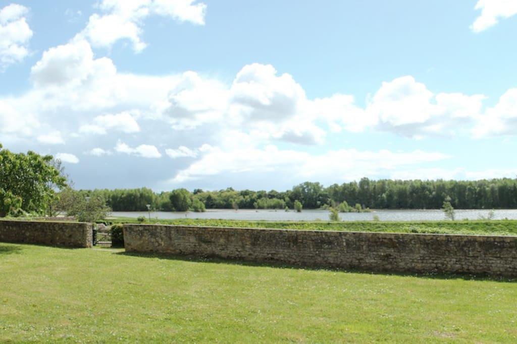 Vue sur la Loire du jardin coté Sud