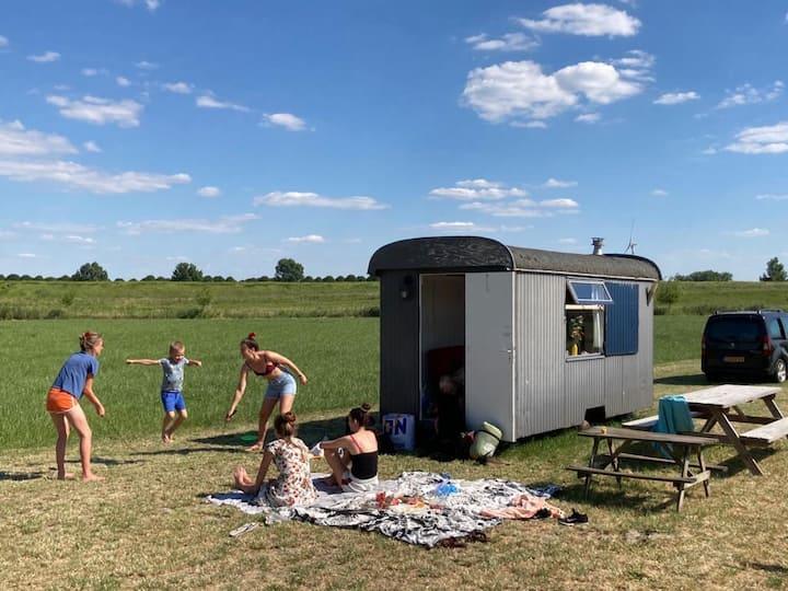 Pipowagen op het boerenland - Drongelen