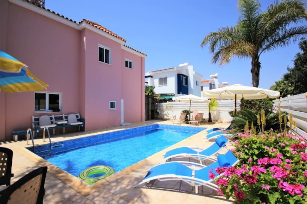 Beautiful well maintained garden and pool area.