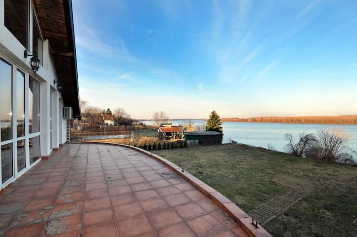 Danube Villa with Spectacular view