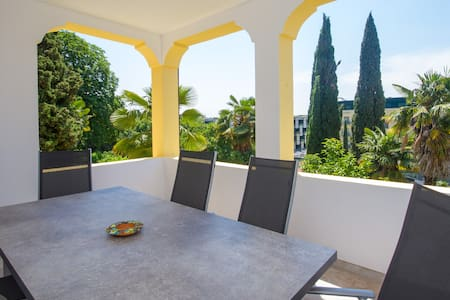 Villa Roma: Three bedroom apartment with balcony