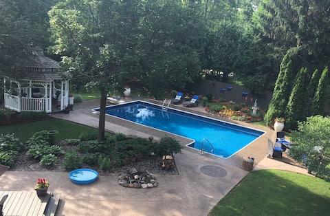 St. Croix River Private Sanctuary W/Heated pool!!