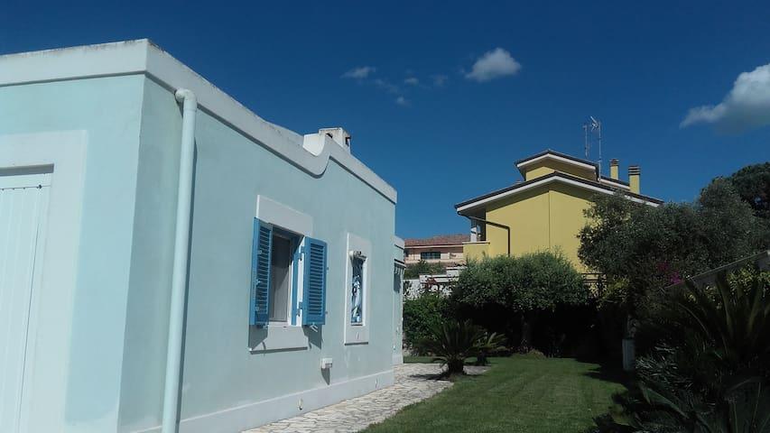 Camera in Villa a pochi passi dal mare ad Anzio