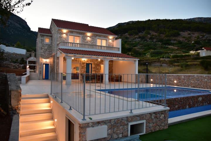 Villa Katarina - heated pool with amazing view