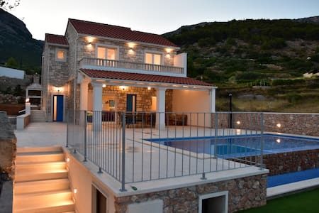 Villa Katarina - heated pool with amazing view