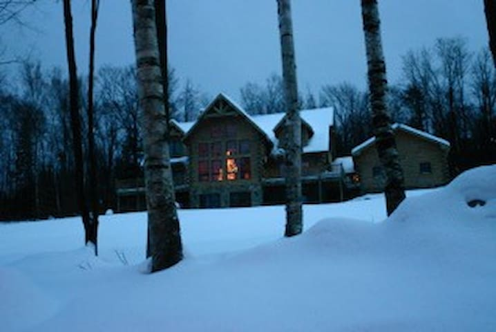 Stratton Mountain Log Home - Winhall - Haus