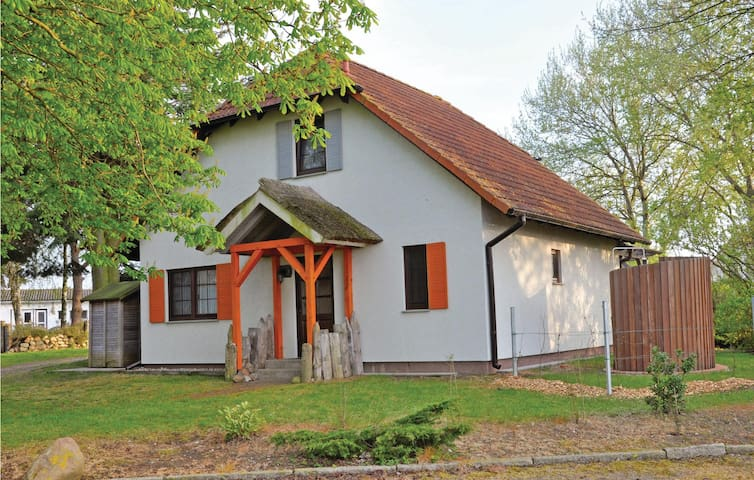 Holiday cottage with 3 bedrooms on 120 m² DMK278
