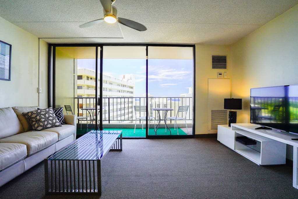 Nicely Renovated Vacation Rental Unit in Waikiki Sunset