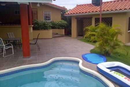 Cómoda Casa de Playa en Coronado