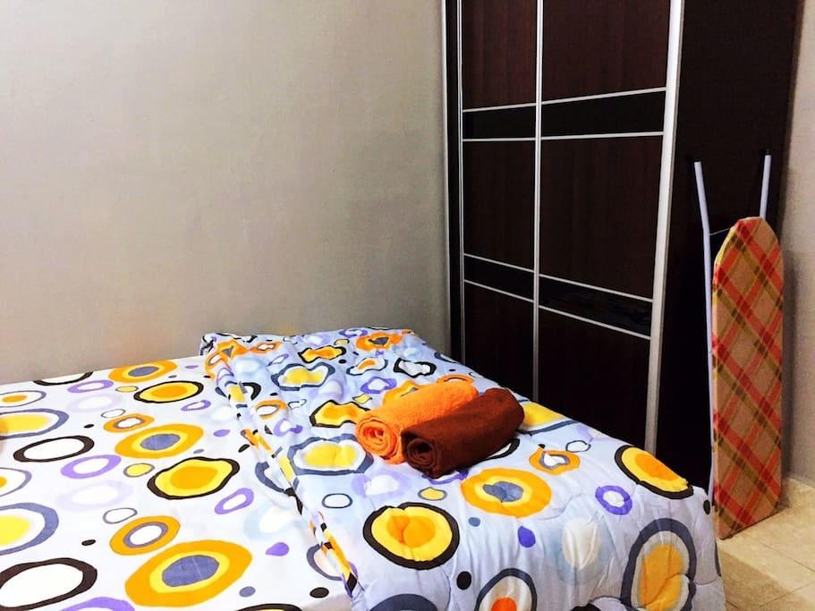 2nd Queen Bedroom wardrobe / Iron Aids