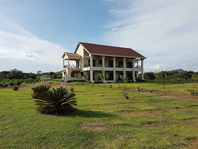 Las Acacias: Colonial style mansion, Penonome. - Aguadulce District - House