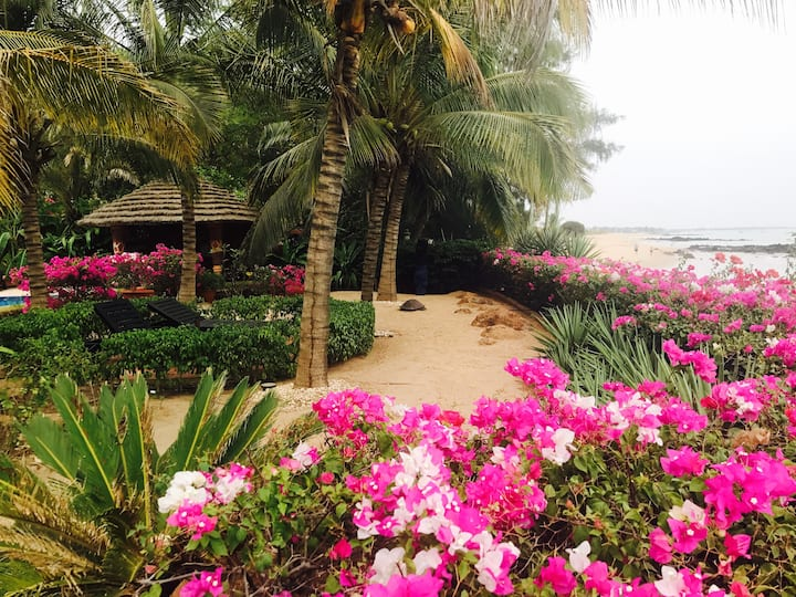 Saly Senegal full home, your own beach, pool, 4br!