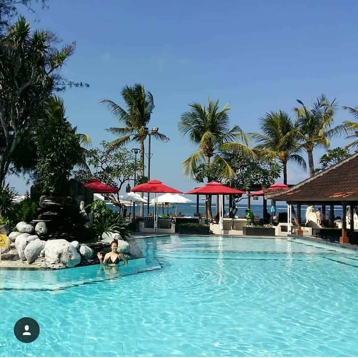 Luxury SAntrian 6Deluxe PrivateBeachfront Breakfas