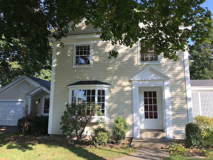 Charming Private Home in Central Location