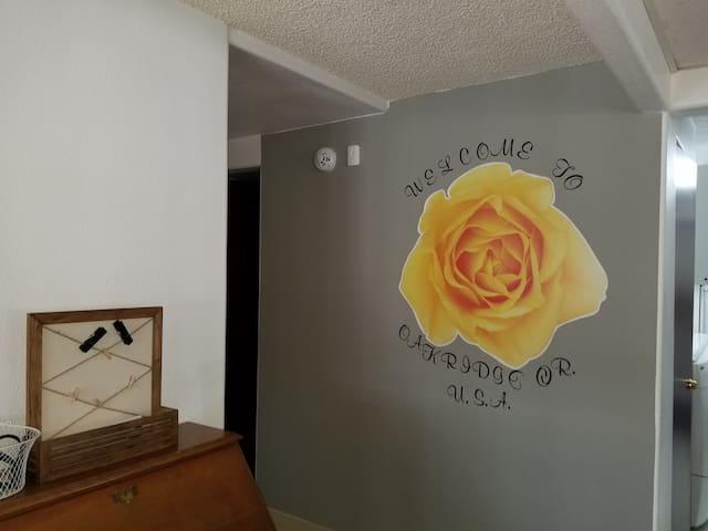 The Yellow Rose at Oakridge
