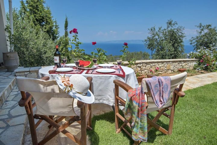Danili House - Private cottage, 5 minutes drive from beach
