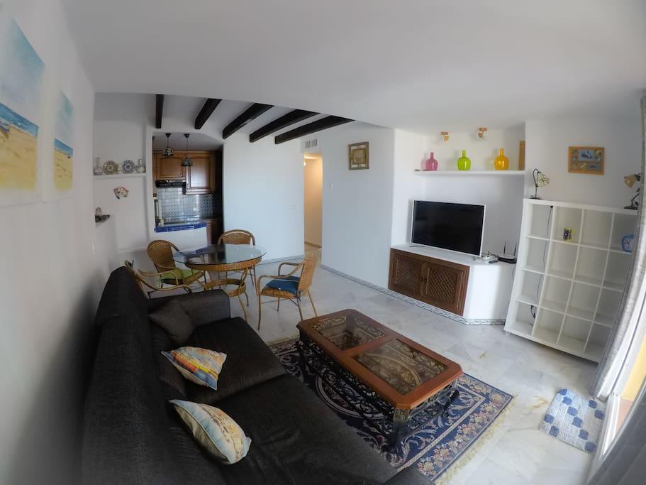 Apartamento bonito con terraza torrevieja apartamentos en alquiler en torrevieja comunidad - Alquilar apartamento en torrevieja ...