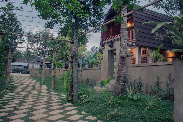 Traditional Bali Coconut House ( Downstairs )