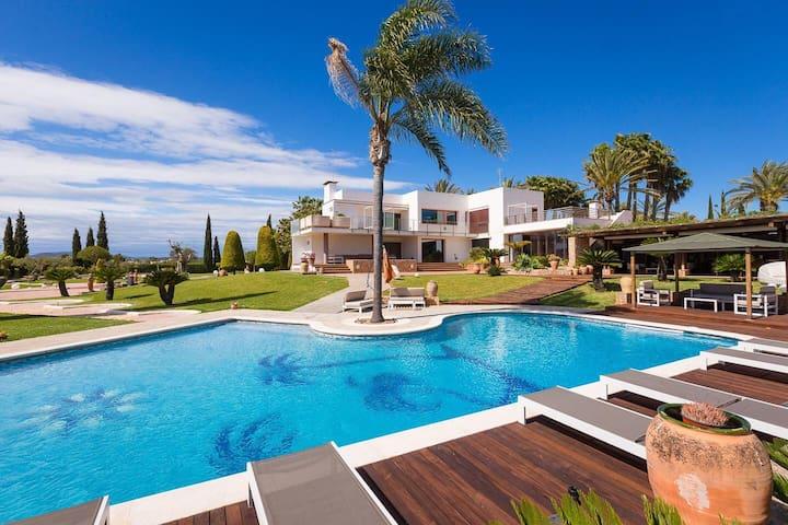 Spectacular Villa in Ibiza