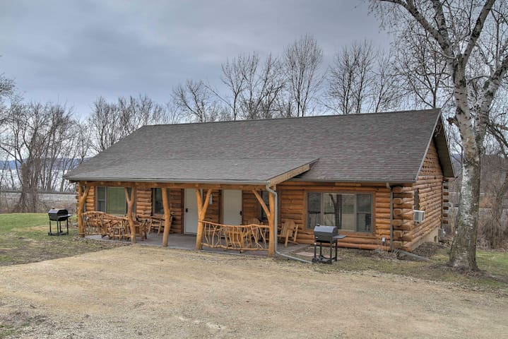 new 2br ferryville cabin on mississippi river cabins