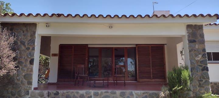 Villa Coca -Los Jilgueros- a 100 mts. de la playa